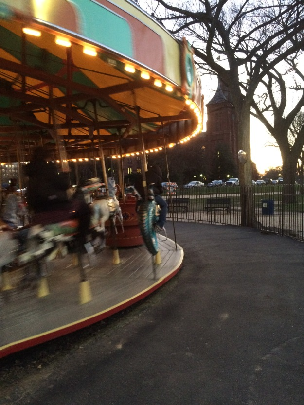 carousel play