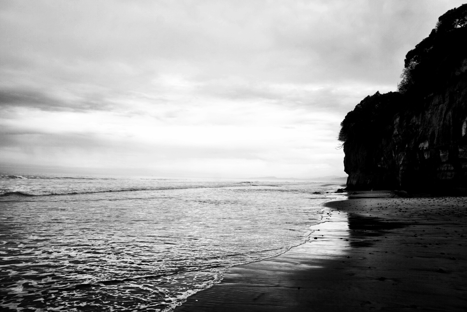 silence-is-black-and-white
